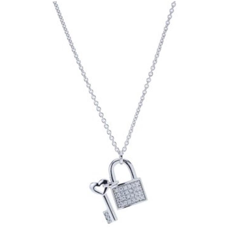 Halsband med nyckel fc44cdd2e34fd